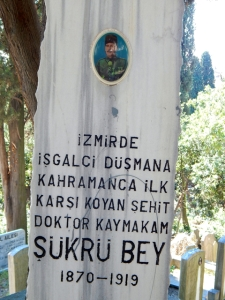 Gravestone honouring the first Turkish casualty in Izmir after the Greek invasion