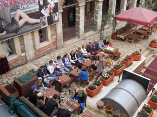 Tea, backgammon and water-pipe in Taş Han