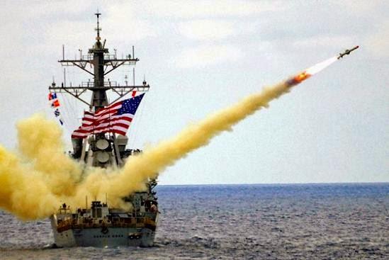 Tomahawk-míssil-disparado+de+destróier