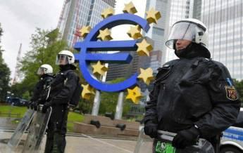 ECB-cops
