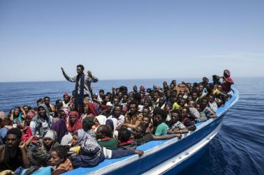 mediterranean-refugees-migrant-offshore-aid-station-moas-11465295706